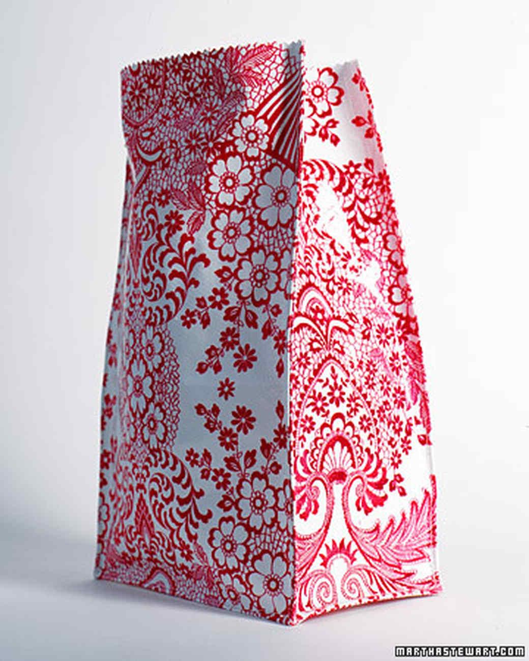 a98535_0701_pinkflowerbag.jpg