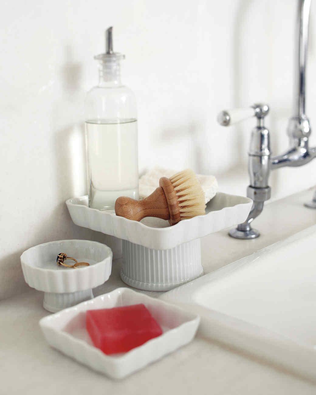 cakestands-sink-mld108936.jpg