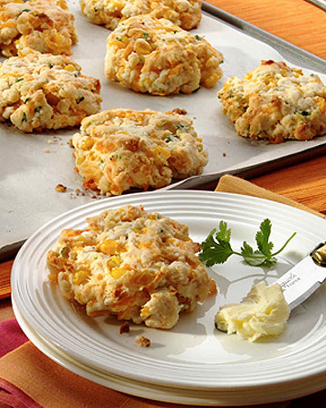 jalapeno-cheddar-biscuits.jpg