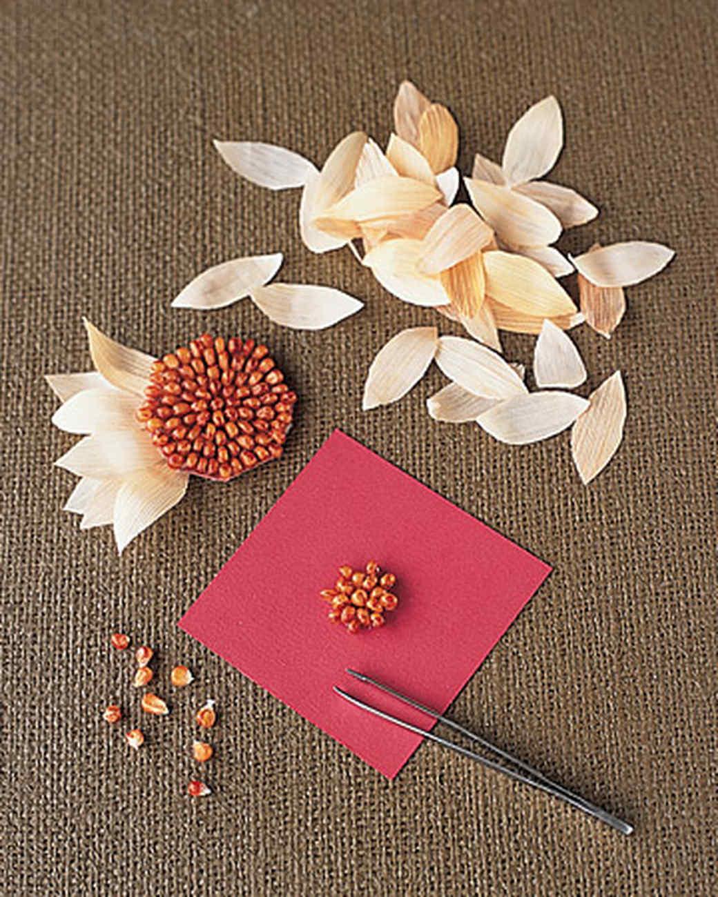 How to make cornhusk flowers martha stewart izmirmasajfo