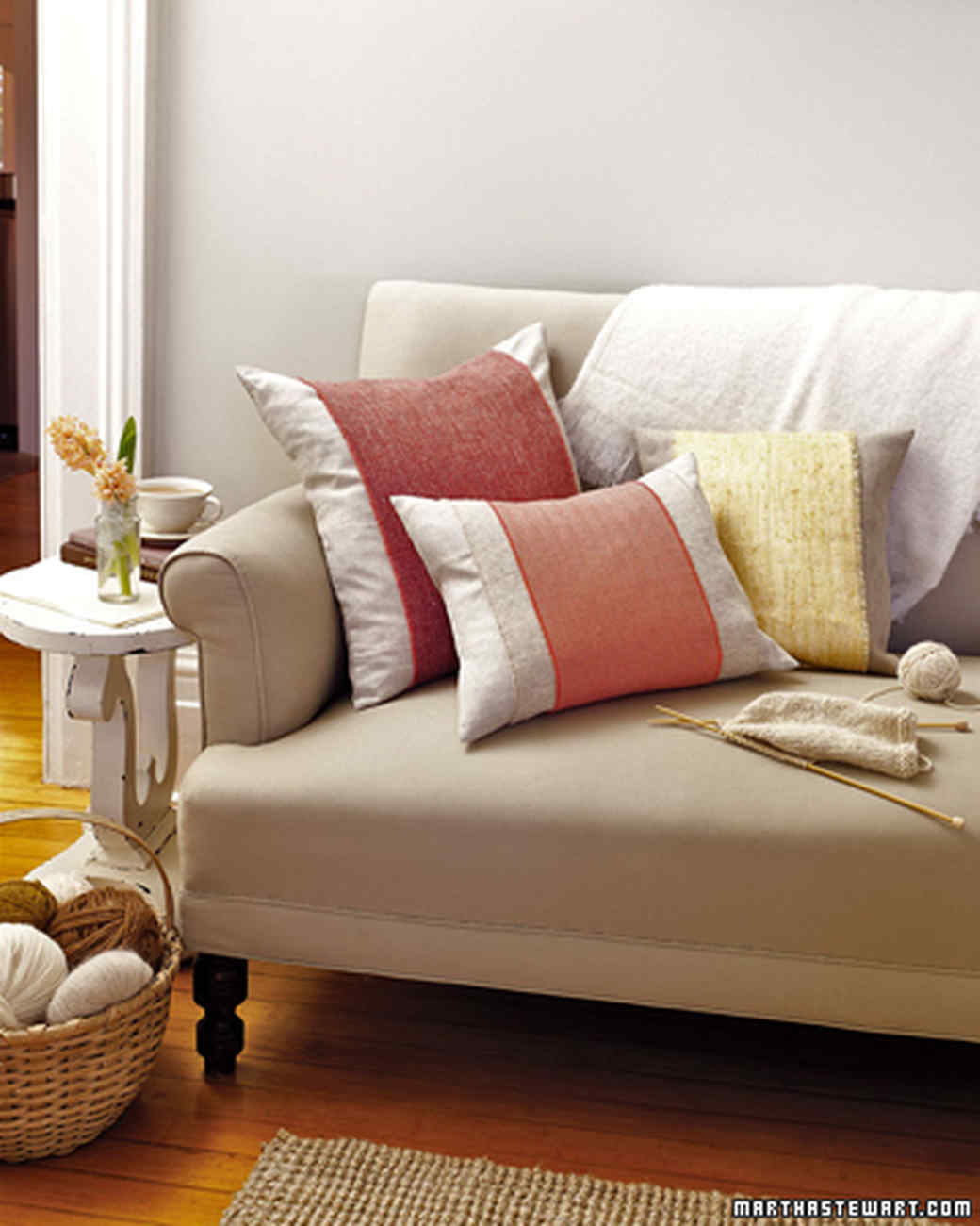 26 pillow projects that are perfectly cozy and comfortable | martha Couch and Pillows