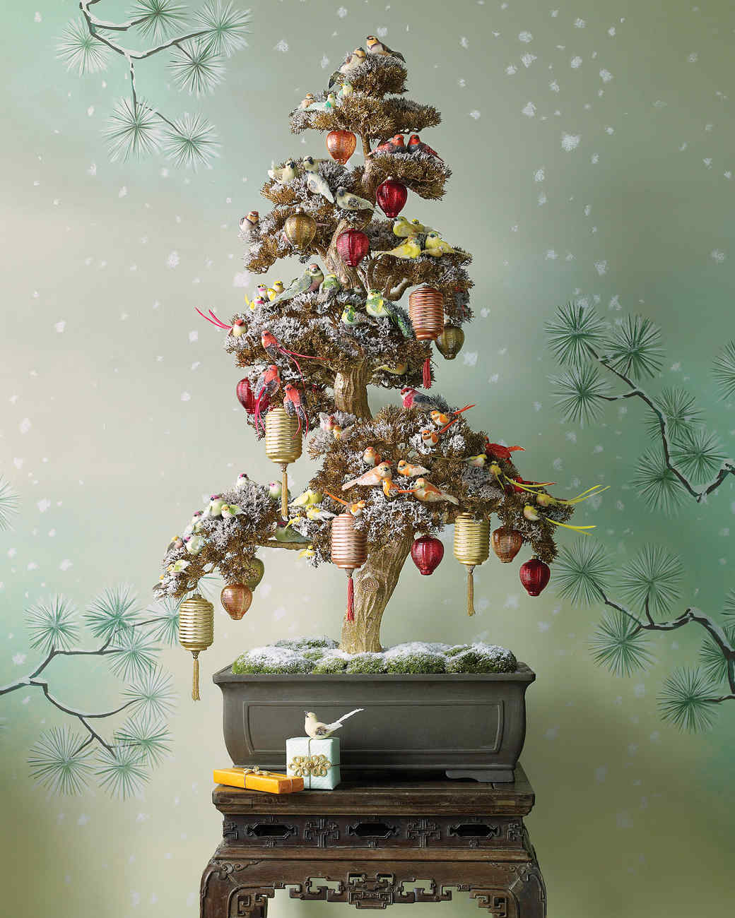 28 creative christmas tree decorating ideas martha stewart - Mini Christmas Tree Decorations