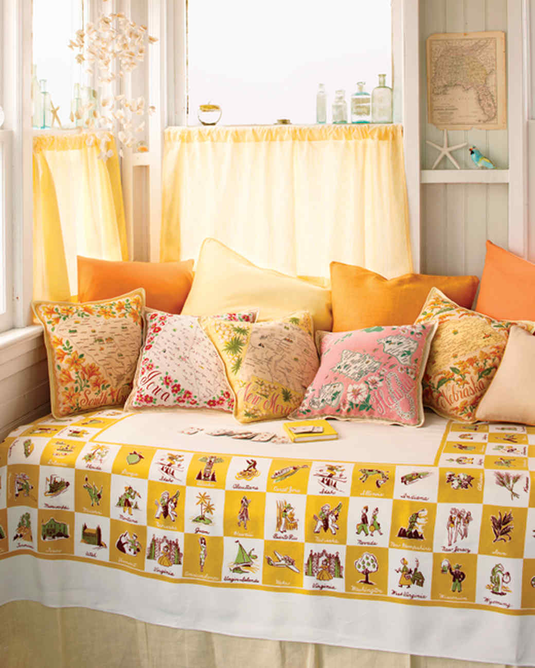 26 Pillow Projects That are Perfectly Cozy and Comfortable | Martha ...
