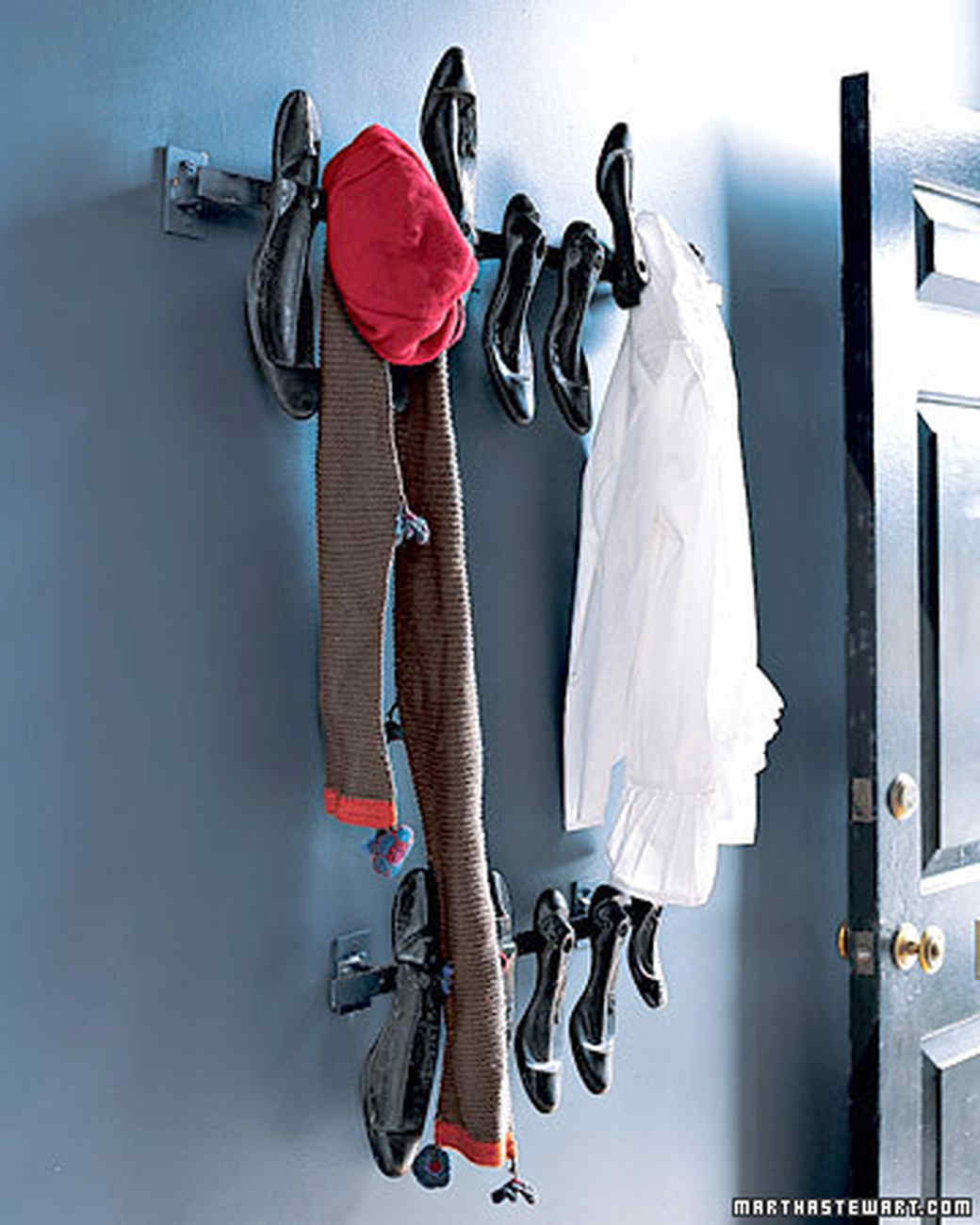 mpa103581_0108_coat_hooks.jpg