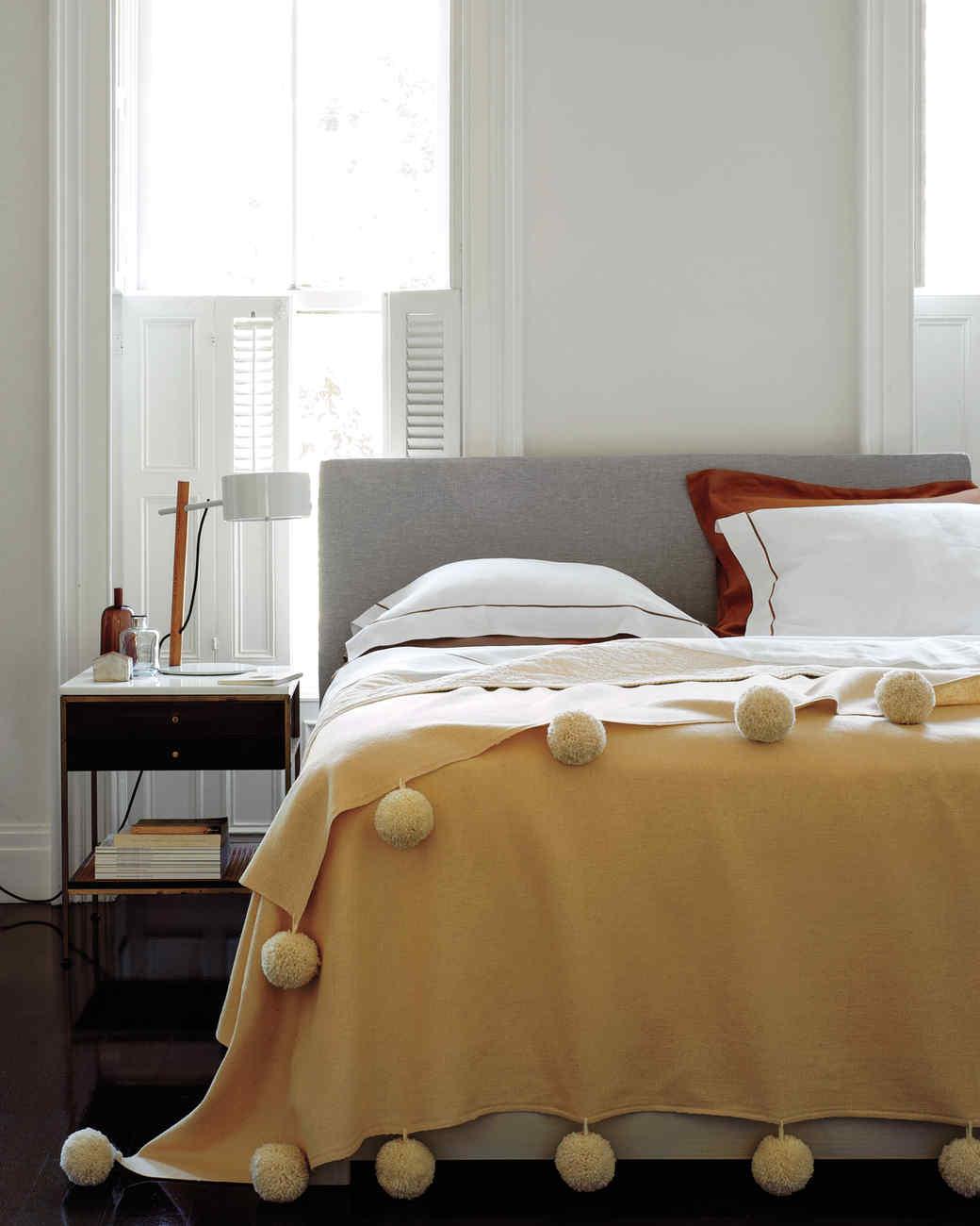 pom-poms-bedroom-md108966.jpg