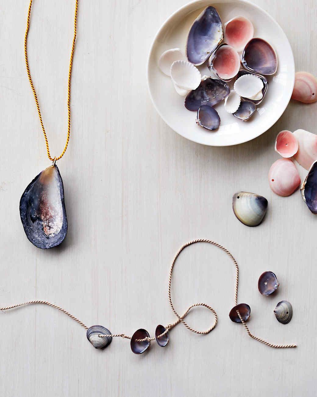 shell-jewelry-142-d111999.jpg