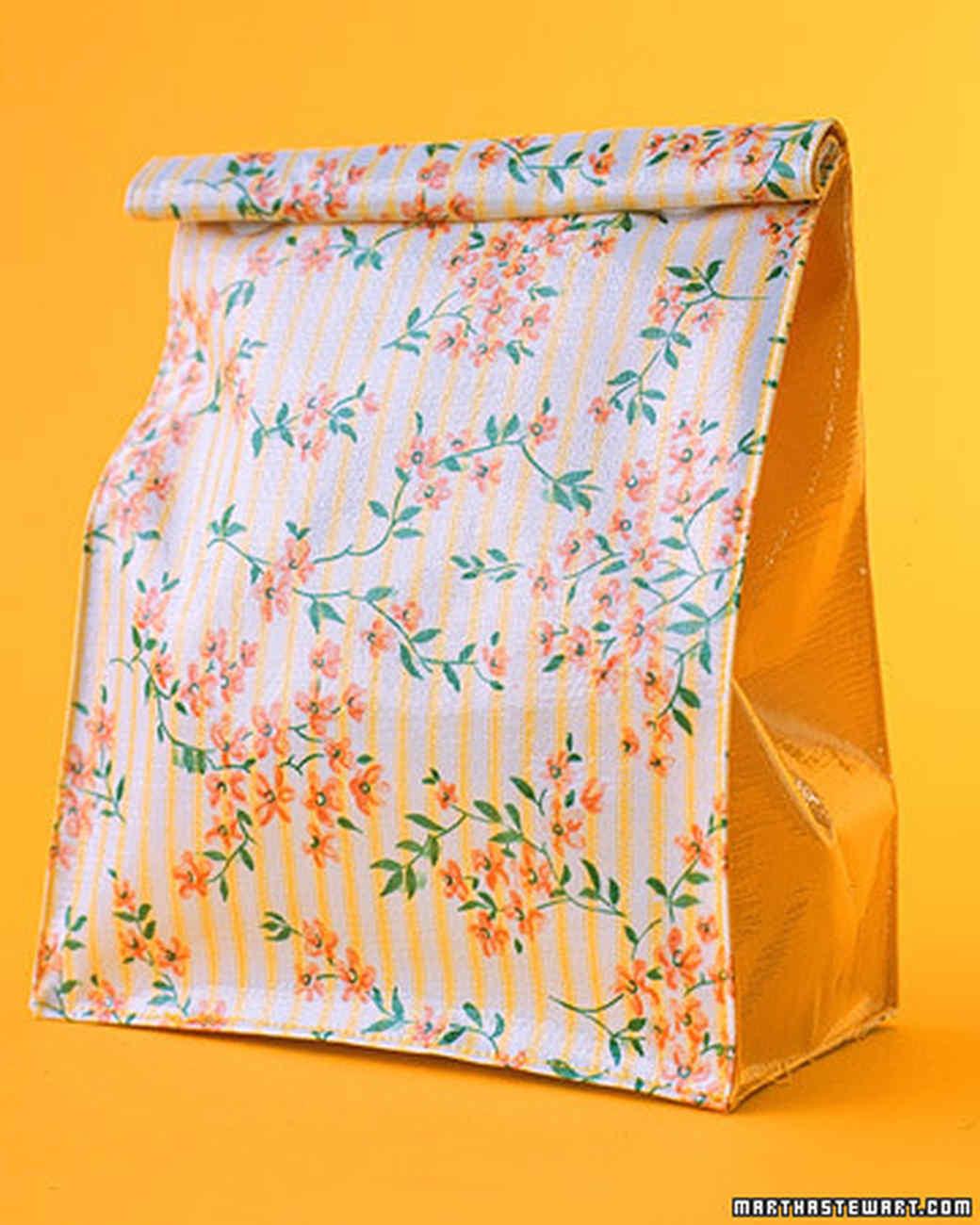 a98535_0701_smallflowerbag.jpg