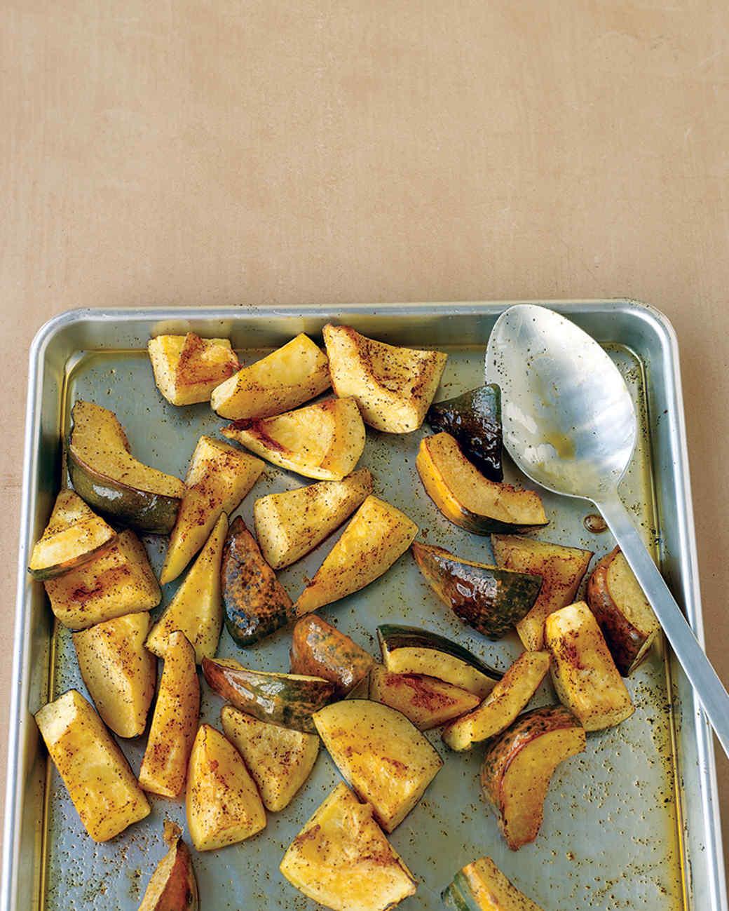 Chili-Roasted Acorn Squash