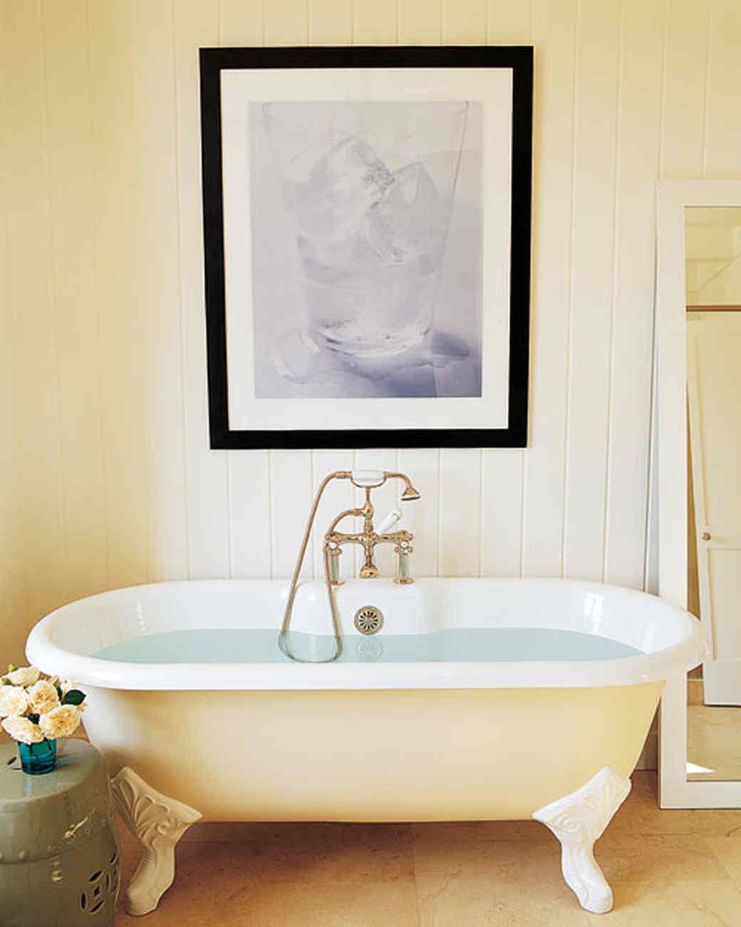 mla101559_sept2005_bathtub.jpg