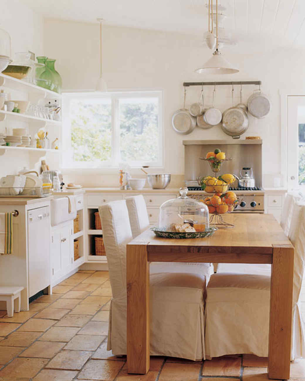 mla101559_sept2005_kitchen.jpg