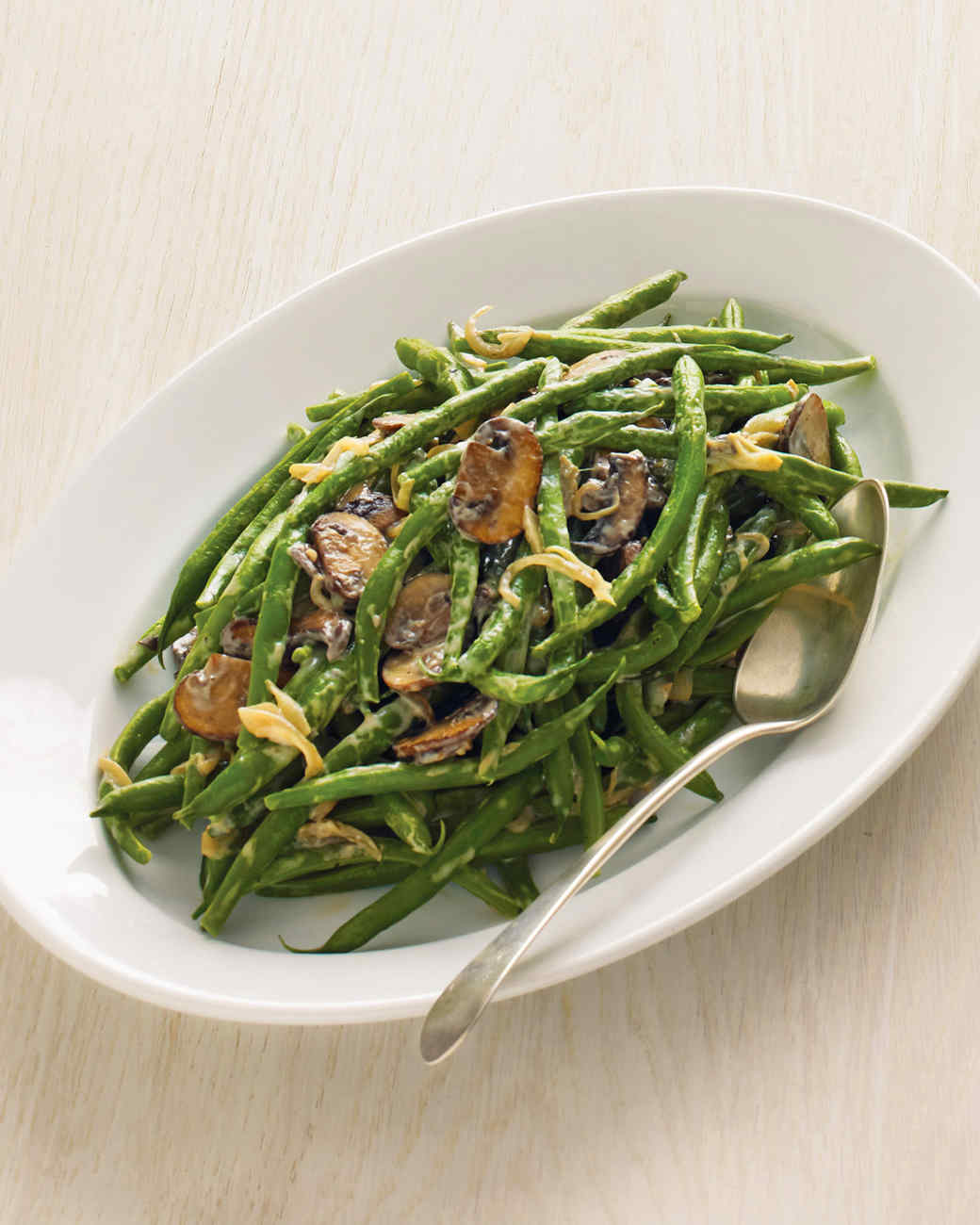 Green Beans with Creamy Mushrooms and Shallots