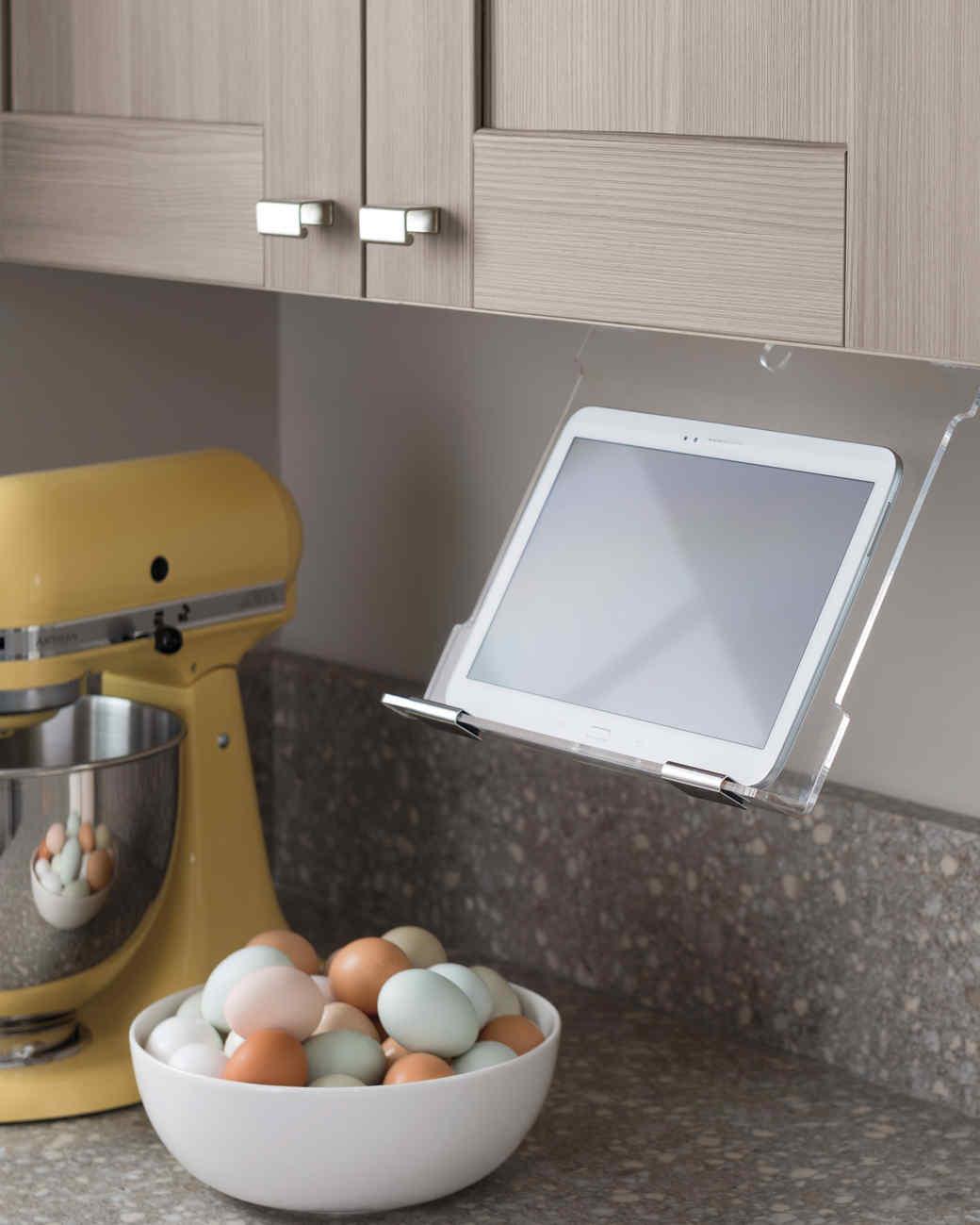 thd-chef-tabletholder-0315.jpg