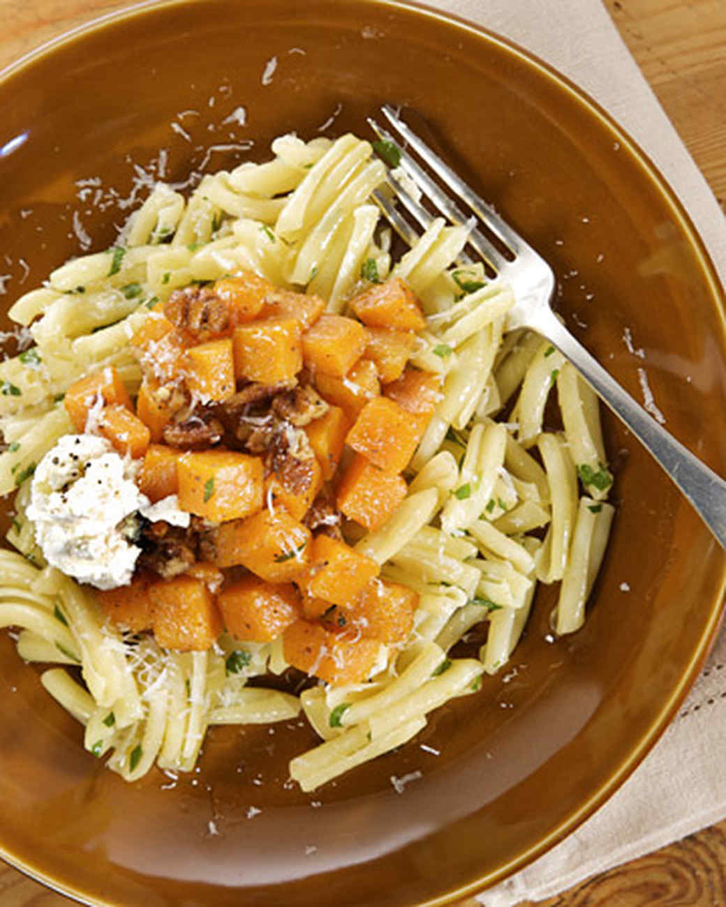 Pasta with Butternut Squash and Pecans