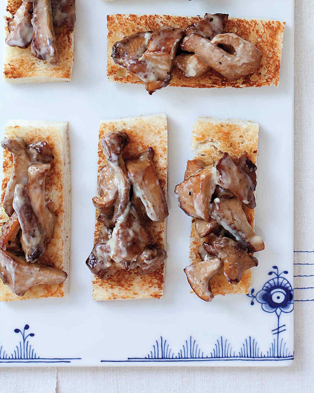 Chanterelle Toasts
