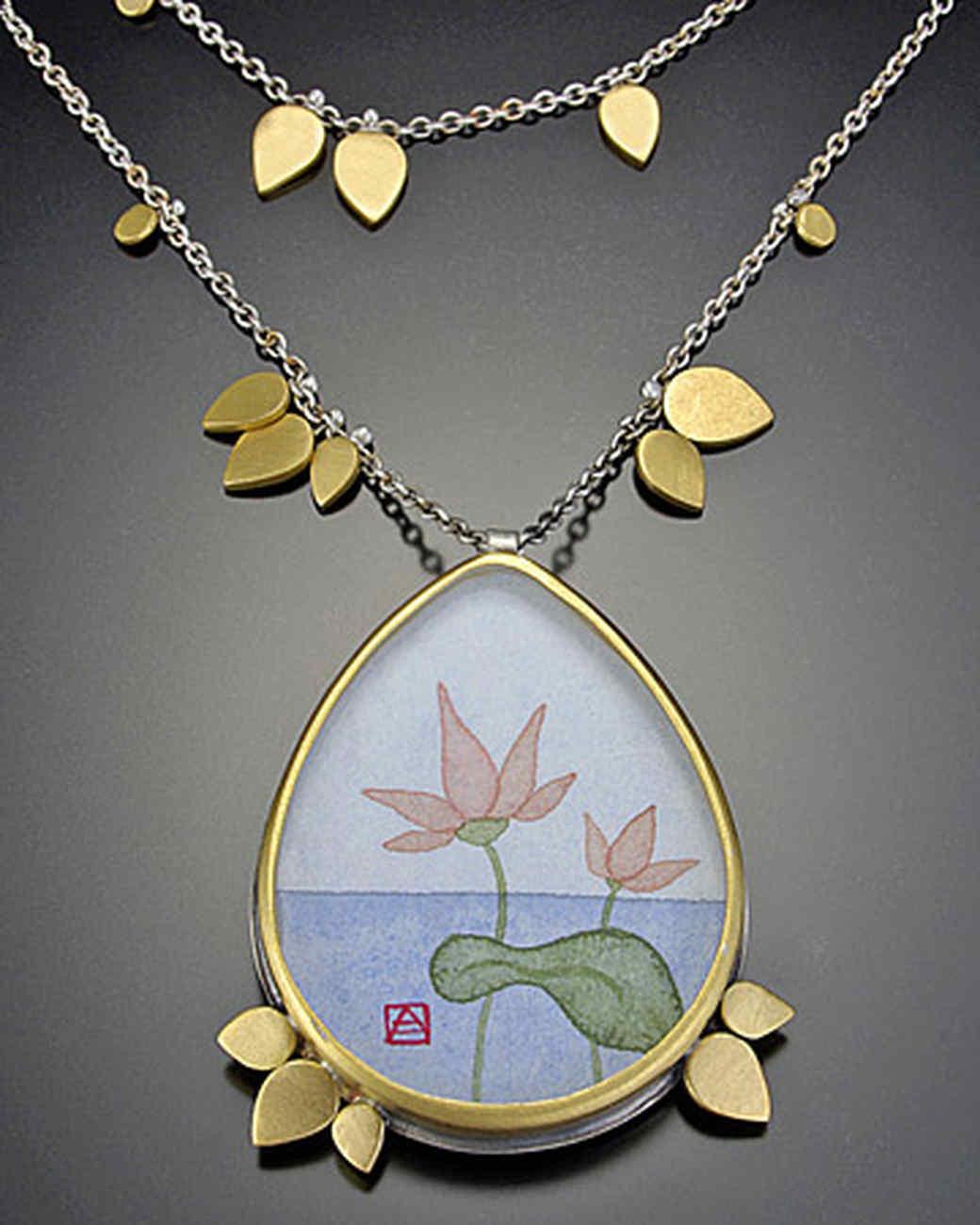 doer_0813_lotus_petal_neckl.jpg