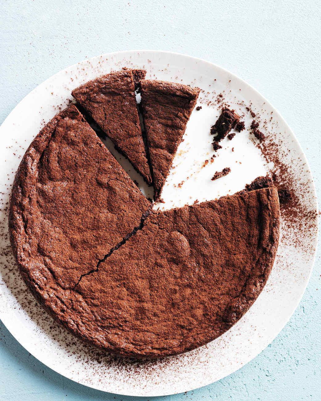 Fudgy brownie cake recipe martha stewart for Living room 5 minute chocolate cake