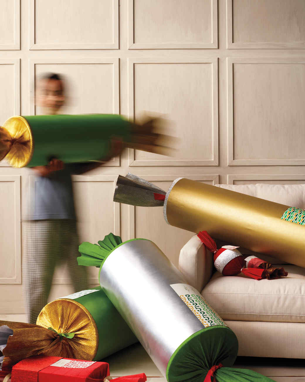Christmas crackers make your holiday pop with surprises whats the big idea solutioingenieria Gallery