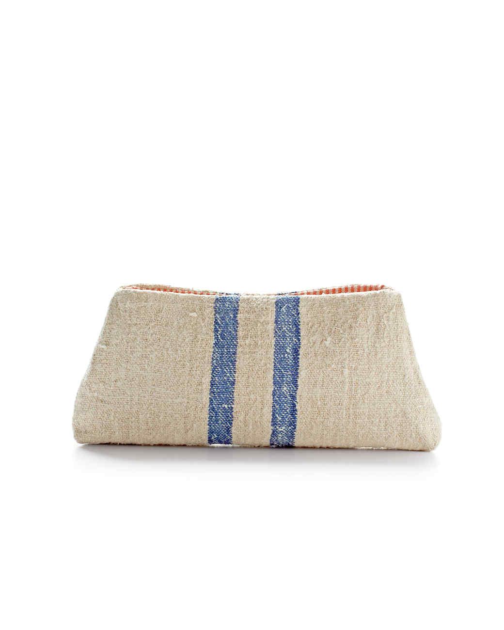 grain-sack-clutch-mld108095.jpg