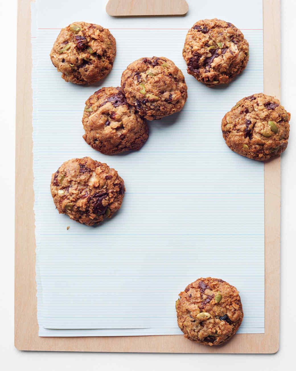 granola-cookies-008-d111260.jpg
