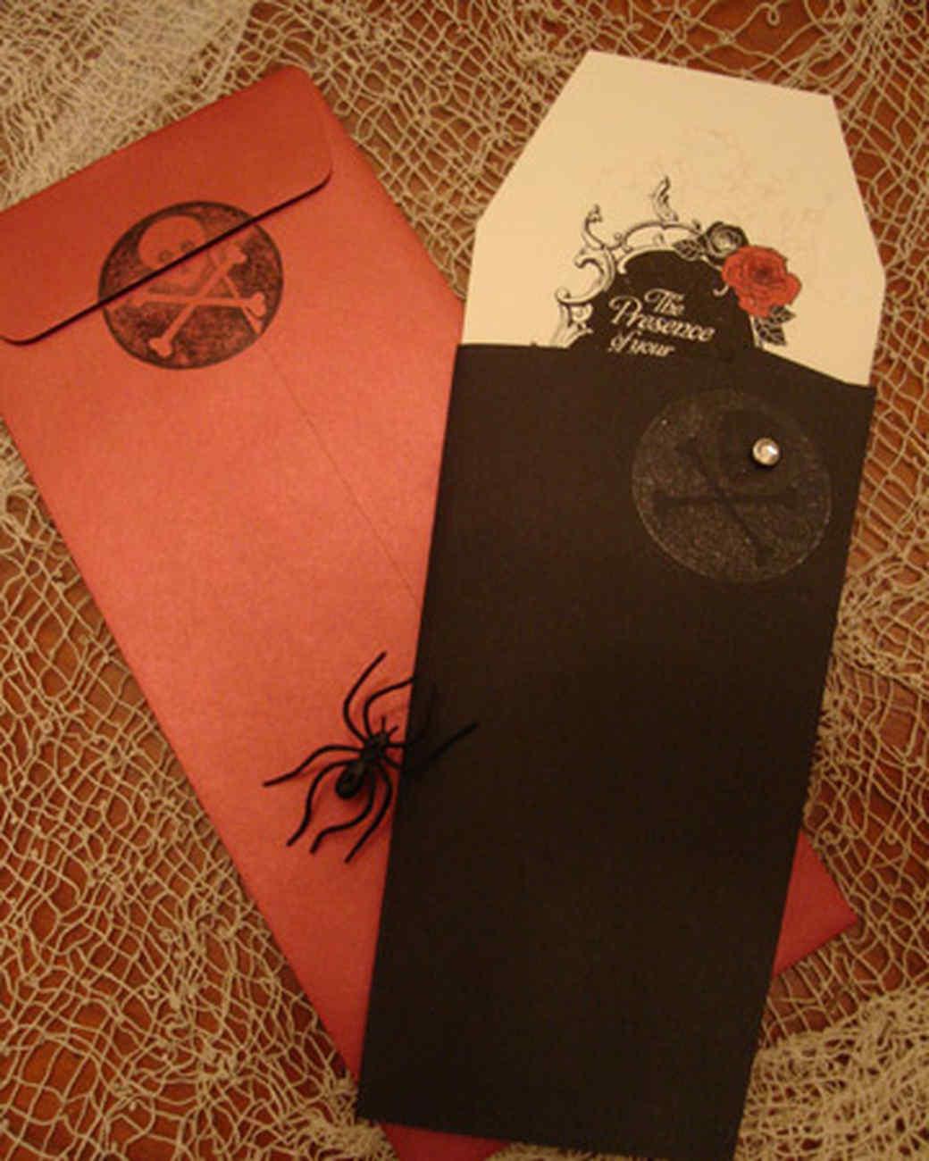 halloween_ugc09_invitations.jpg