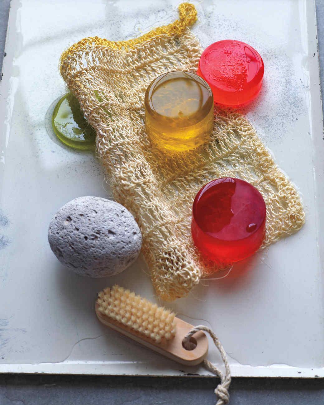 homemade-soaps-042-md110598.jpg