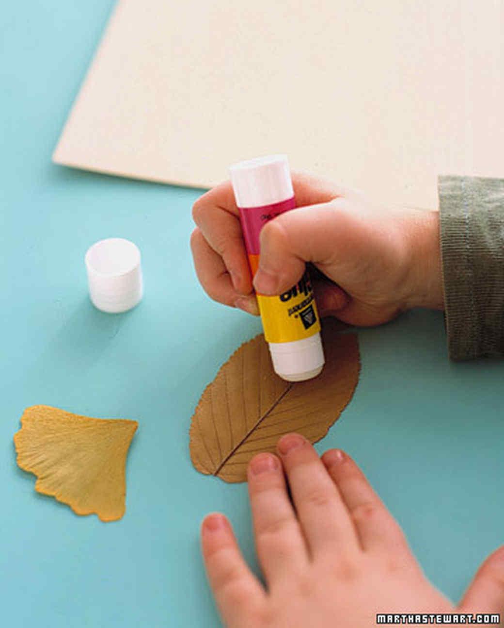 manualidad con hojas para hacer con niños