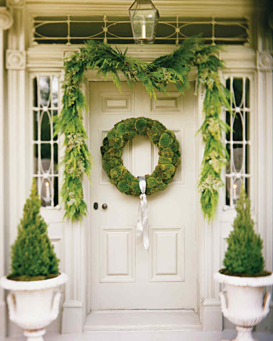 christmas decorating ideas martha stewart - Front Door Entrance Christmas Decoration