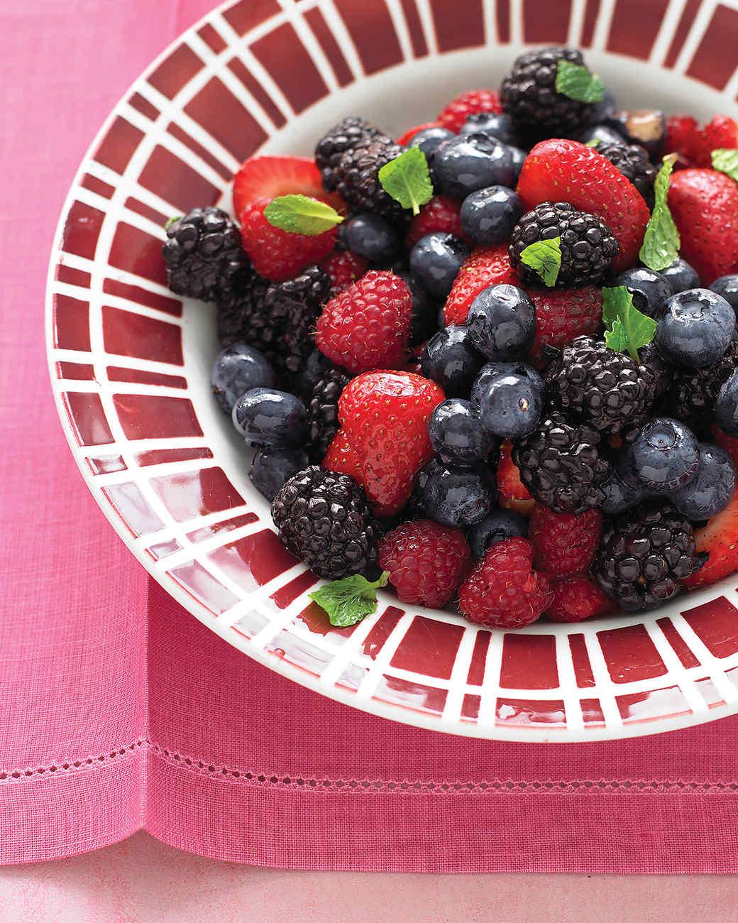 http://www.marthastewart.com/sites/files/marthastewart.com/styles/wmax-520-highdpi/public/d27/med103901d_0708_berry_salad/med103901d_0708_berry_salad_vert.jpg?itok=2A1MWdJv