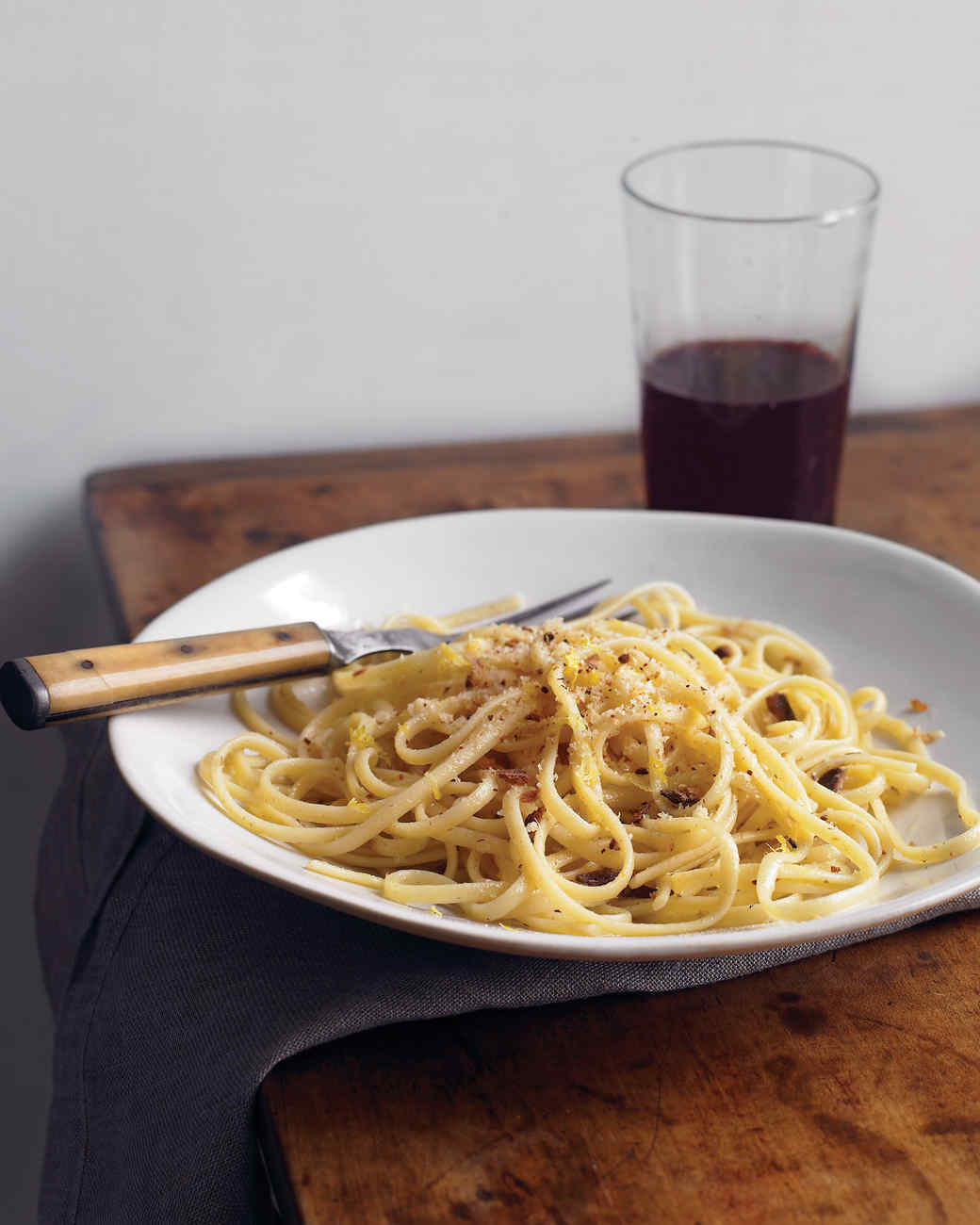 Linguine with Garlic and Breadcrumbs