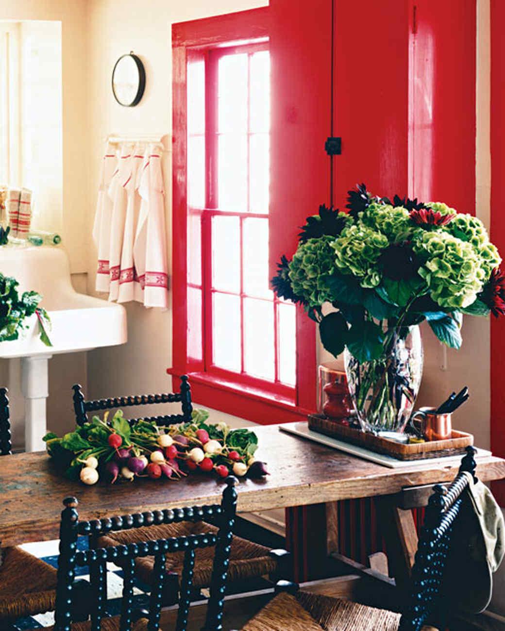 mla103203_0408_kitchentab02.jpg