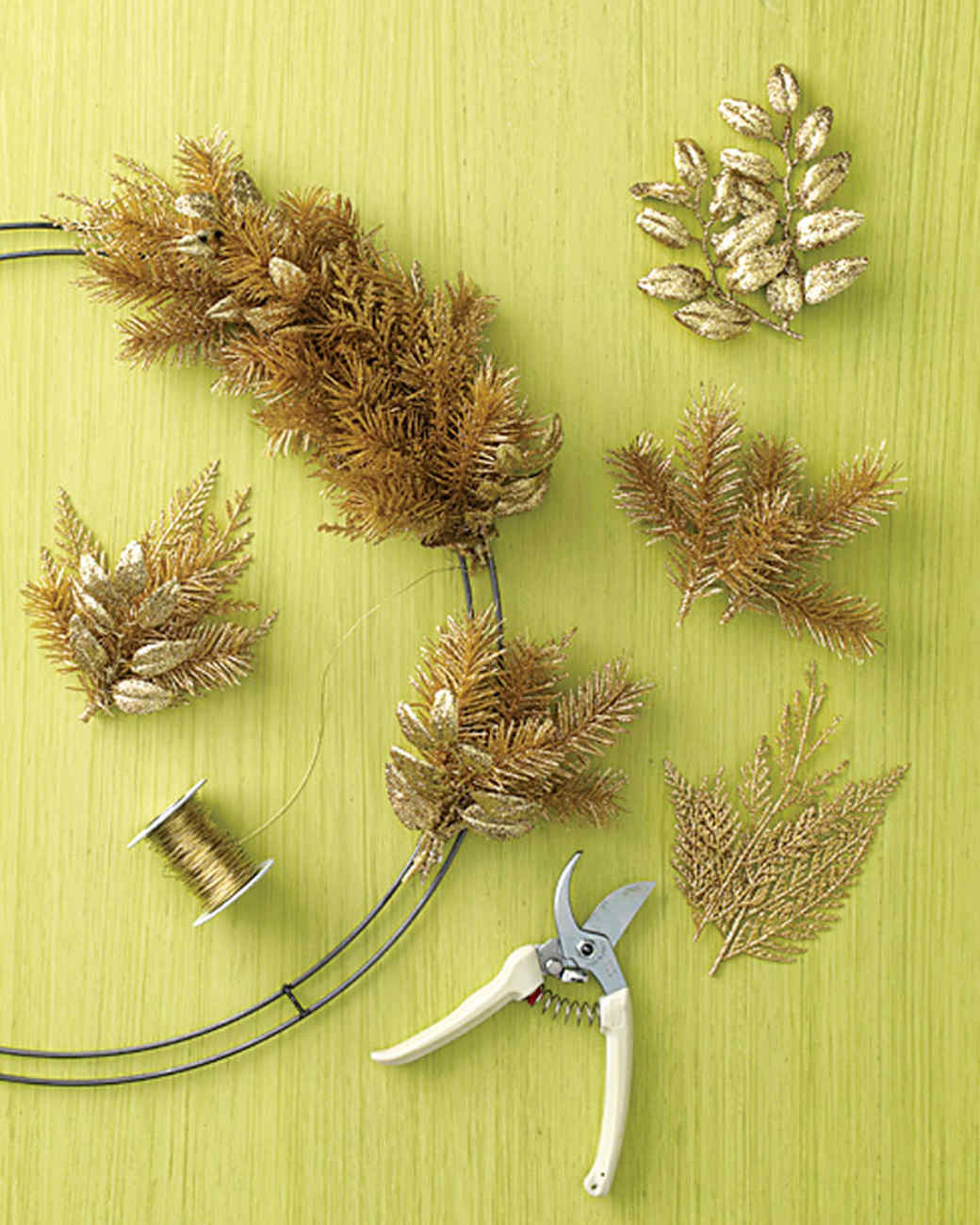 how to make a wreath martha stewart - How To Make A Christmas Wreath