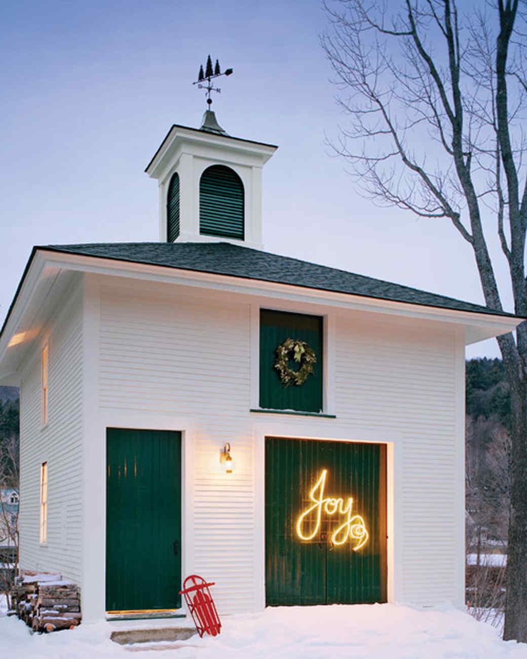 Joy-Themed Christmas Lighting