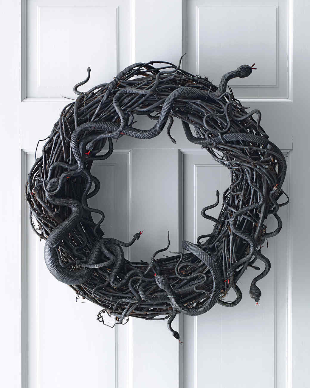 Wriggling Snake Wreath