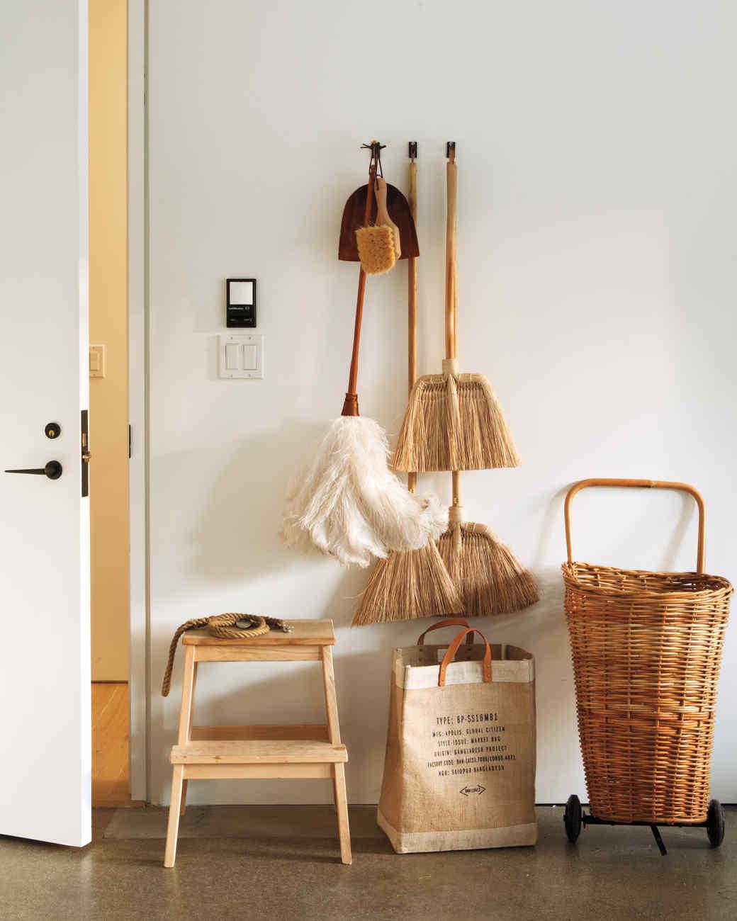 pantry-brooms-026-mld109599.jpg