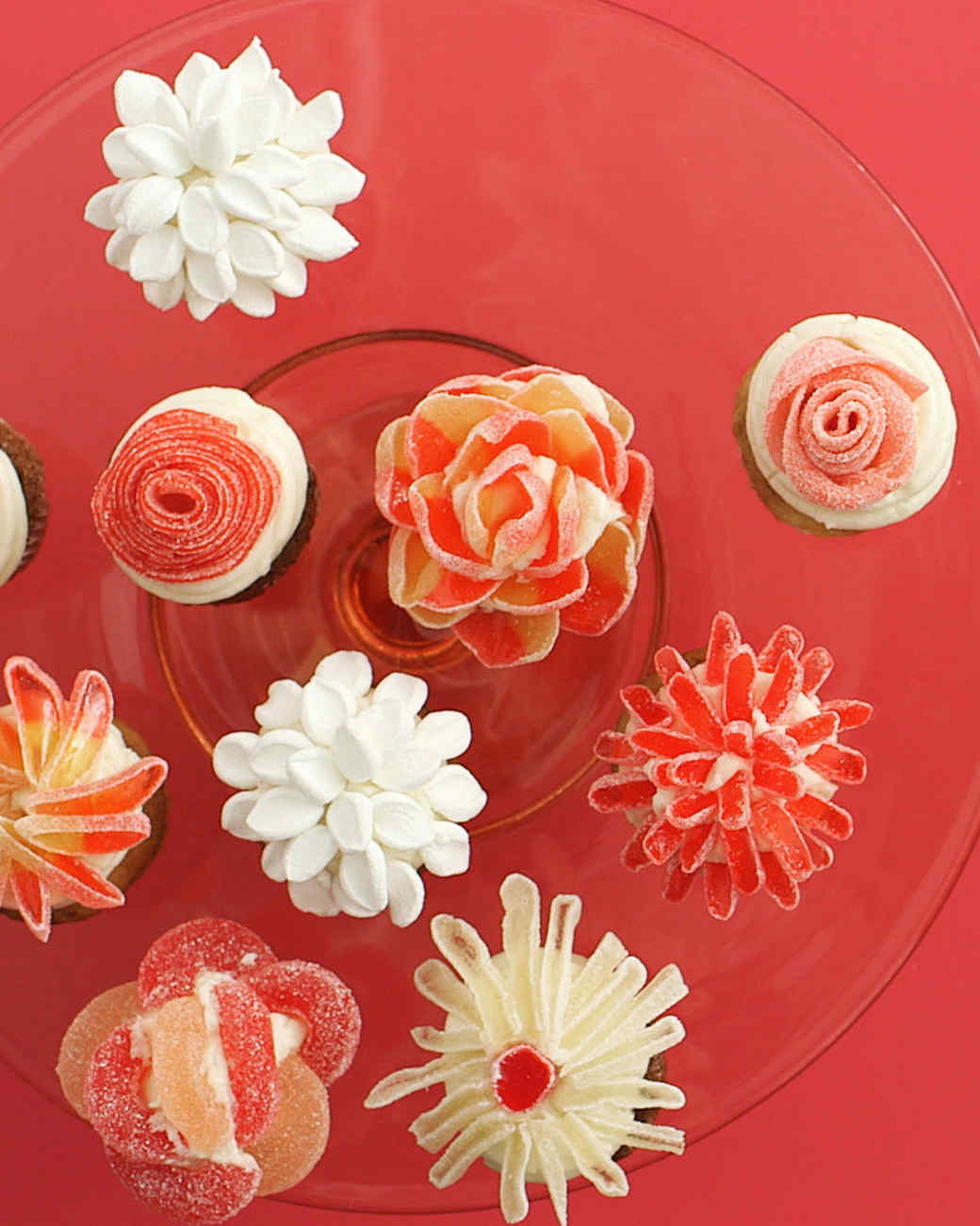 eh0041-candy-flower-cupcakes.jpg