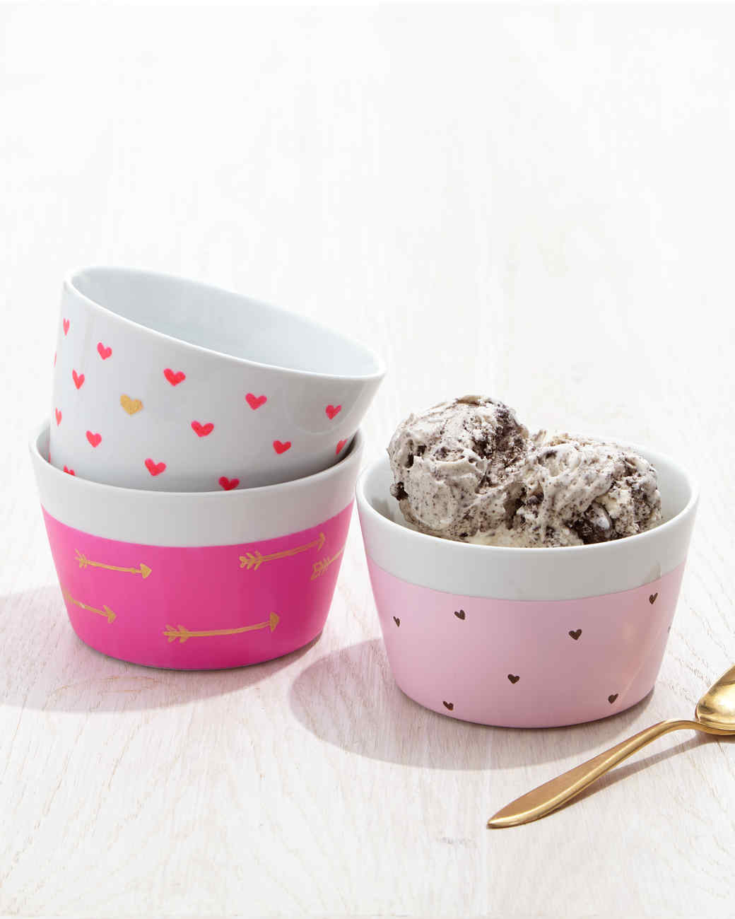 DIY Valentine's Day Ice Cream Bowls