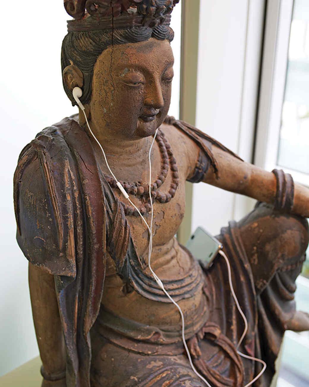 md106055_0910_statue_2_21529.jpg