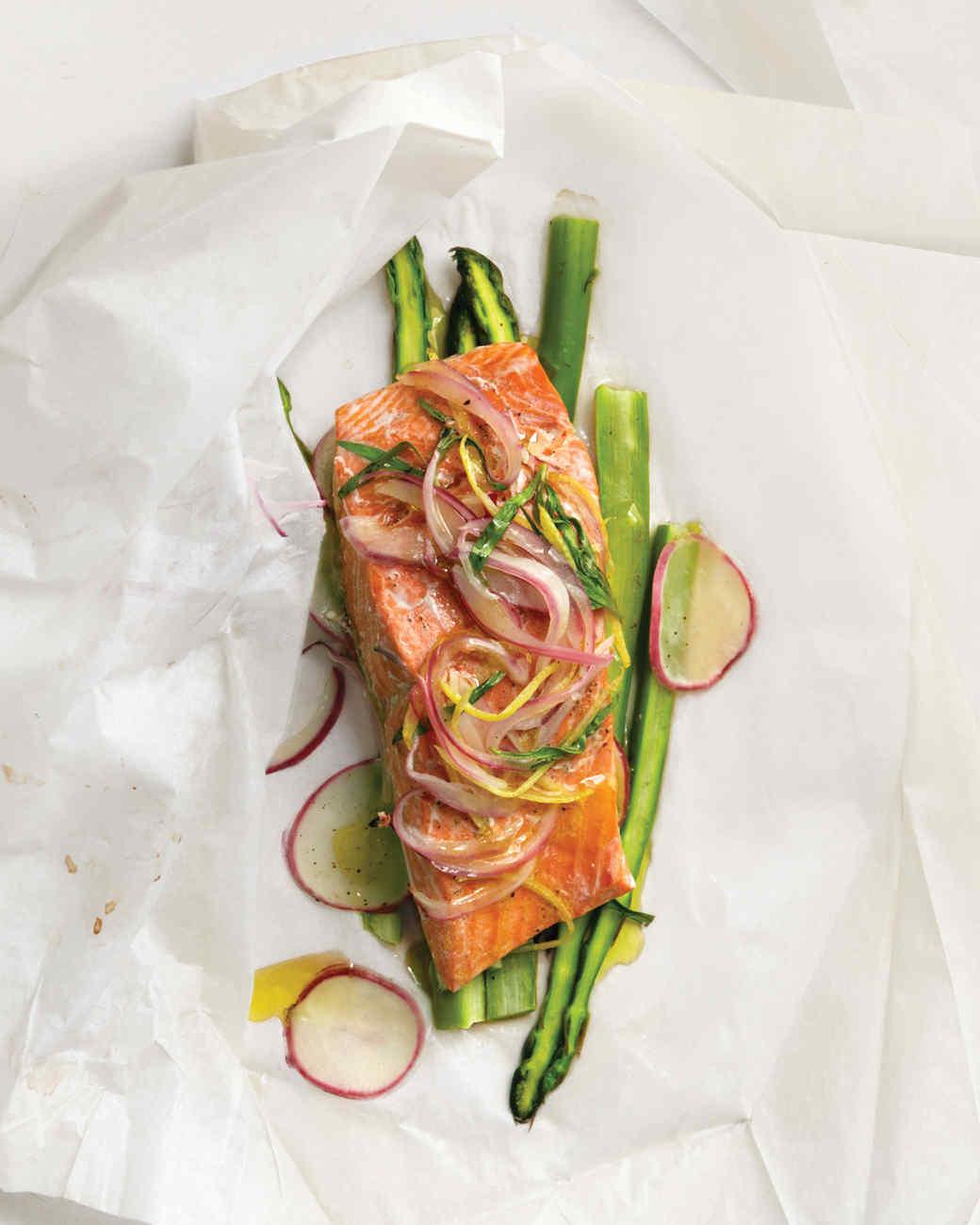 Lemon-Tarragon Salmon Over Asparagus