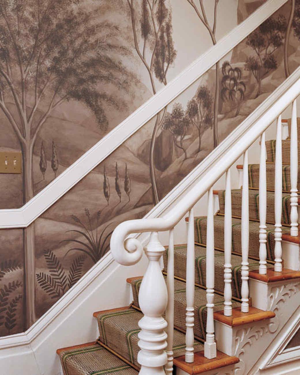 ml209pp12_sept2002_staircase.jpg