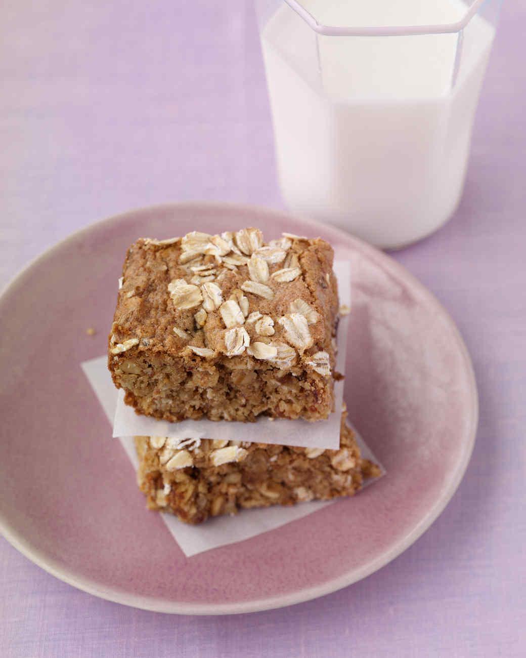 oatmeal-bars-hol05-mld101474.jpg