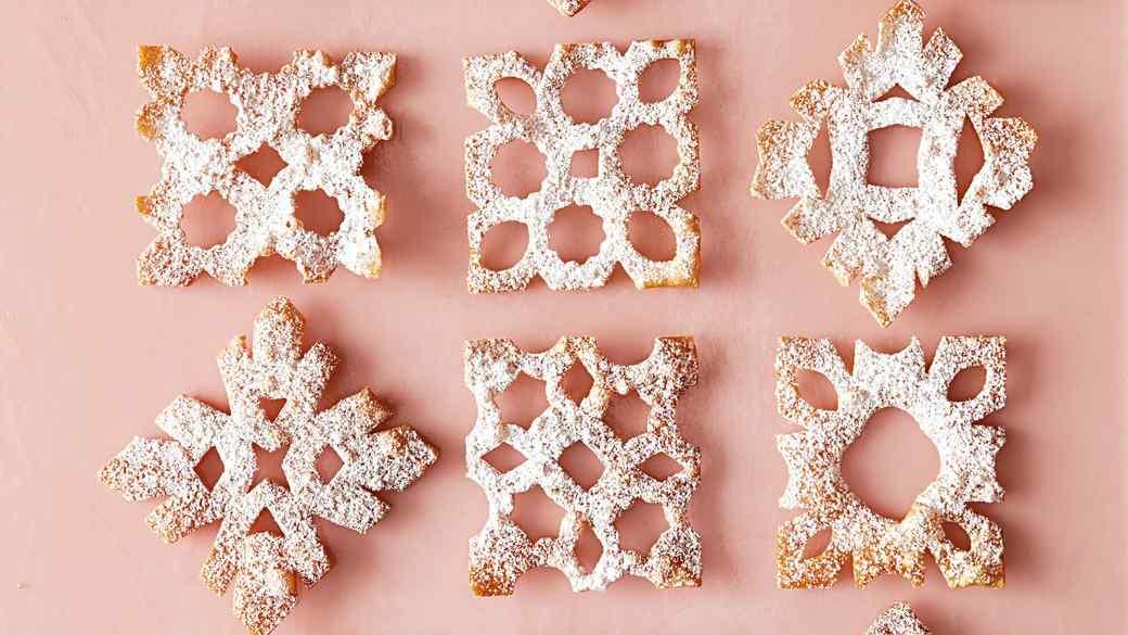 Sweet Snowflake Crisps
