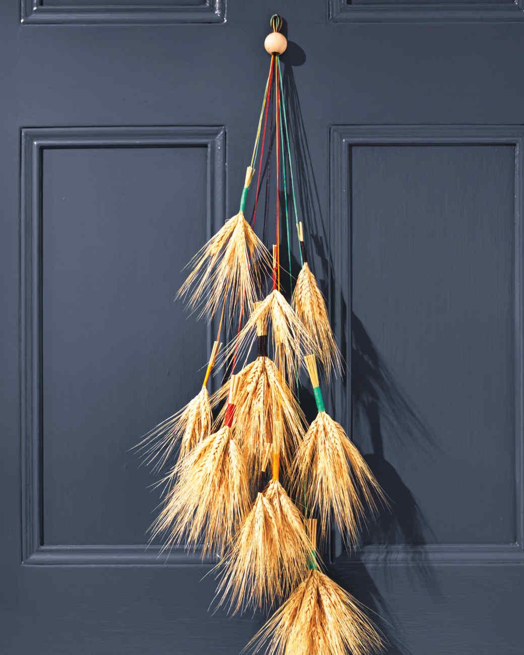 wheat-door-decor-037-d111372.jpg