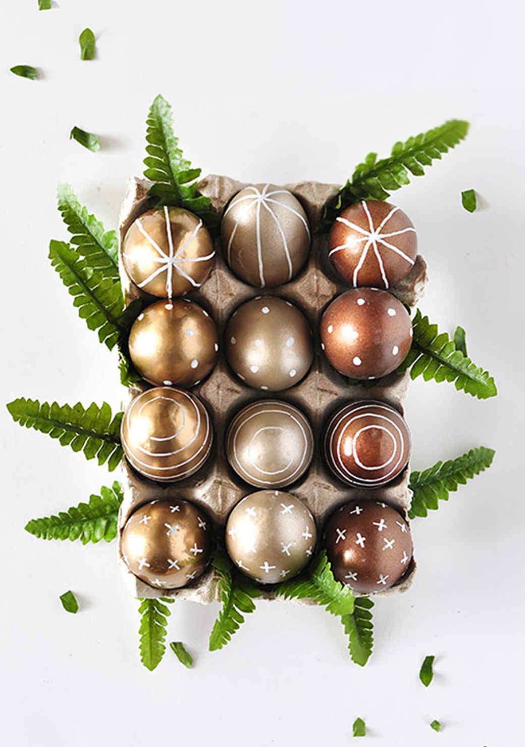 diy-metallic-easter-eggs-1215.jpg (skyword:211788)