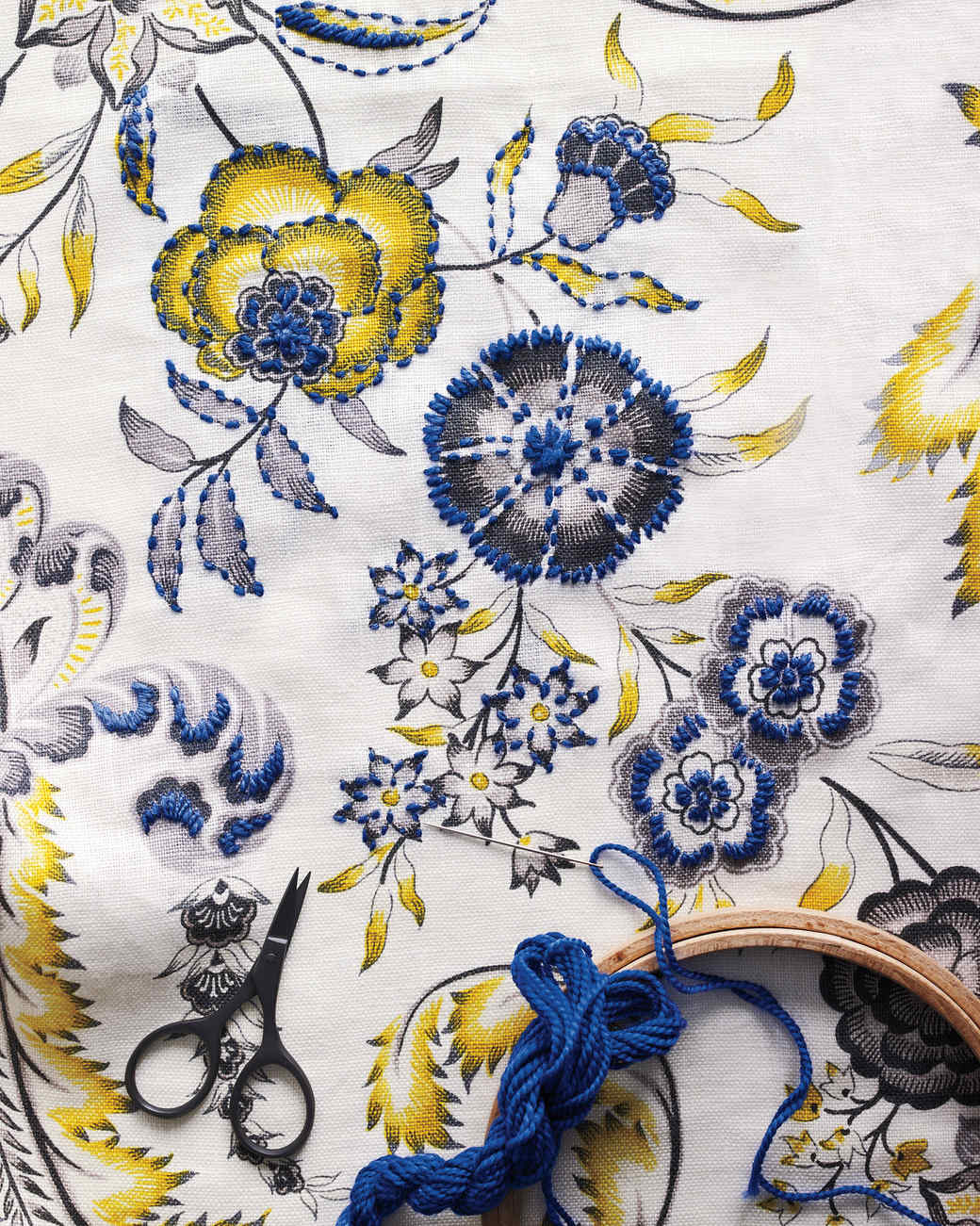embroidery-detail-049-d111671.jpg