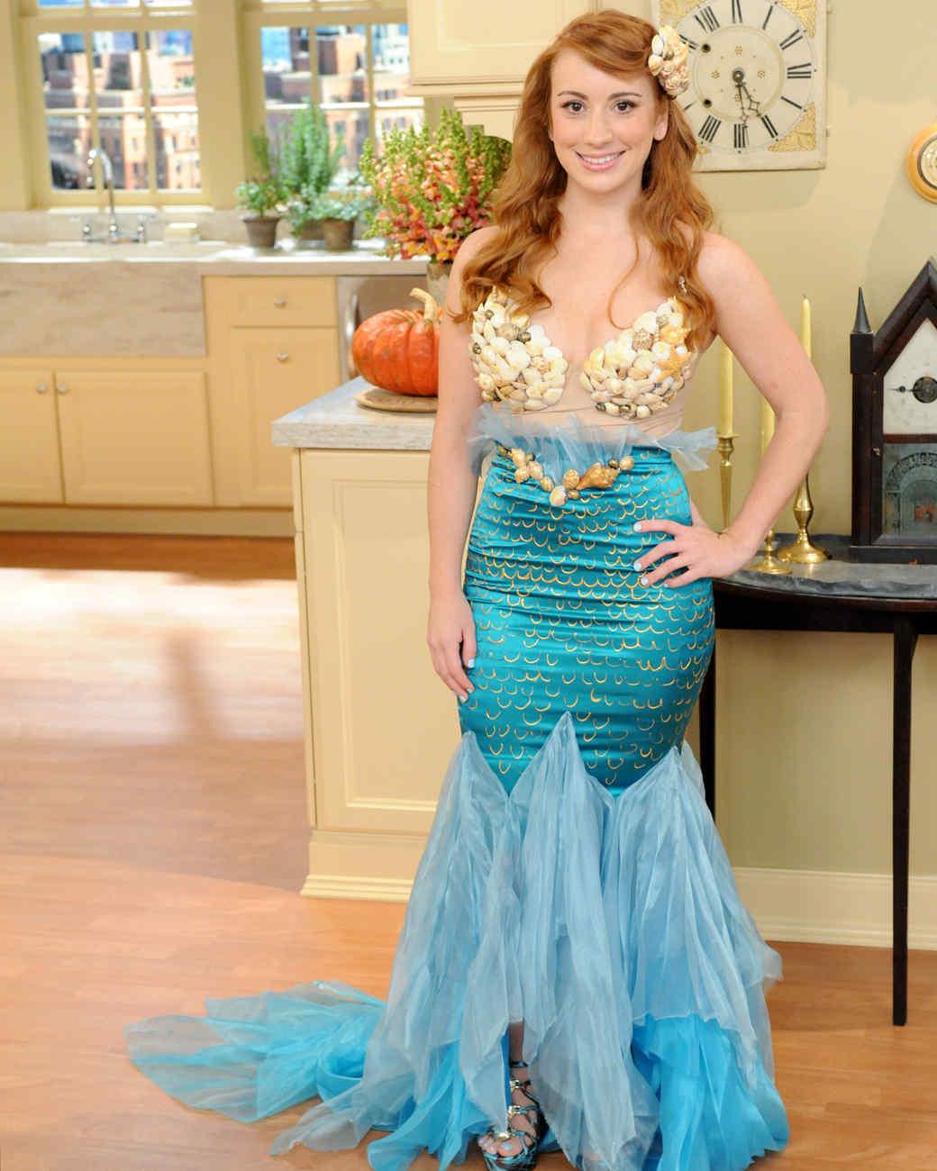 Mermaid costume video martha stewart mermaid costume solutioingenieria Choice Image