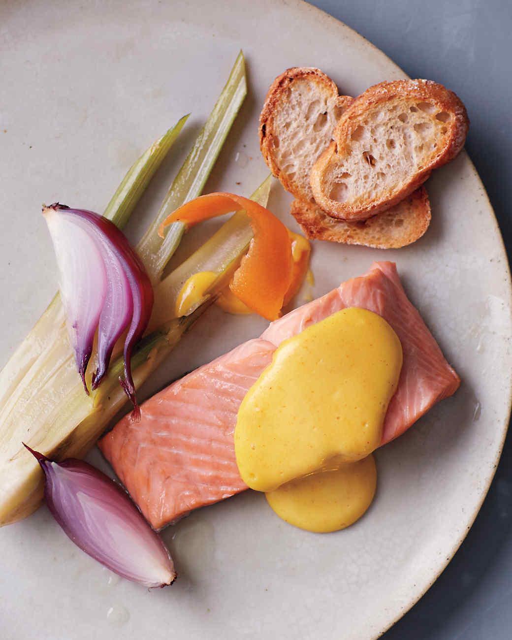 poached-salmon-067l-mld110692.jpg