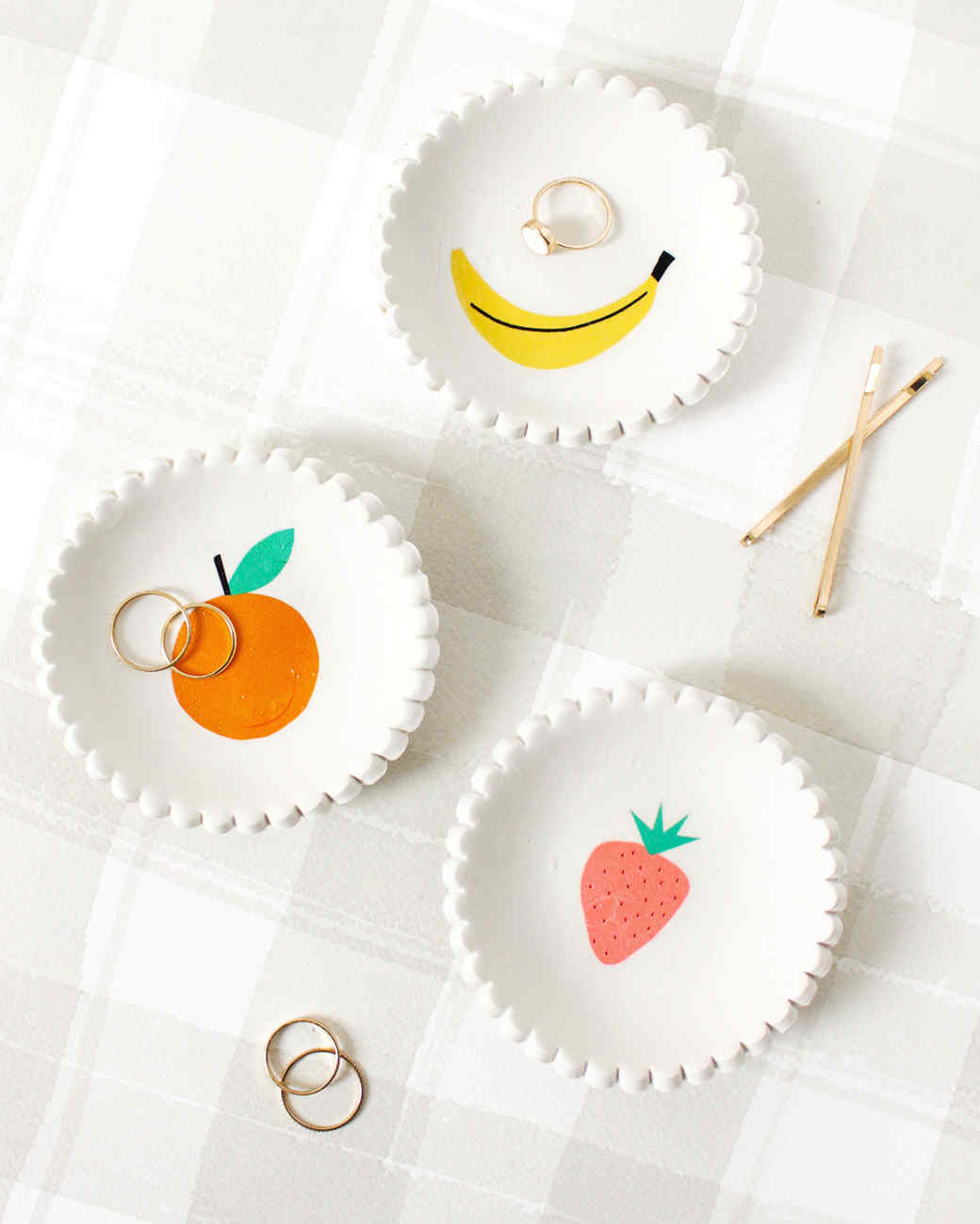 diy scalloped clay trinket dish