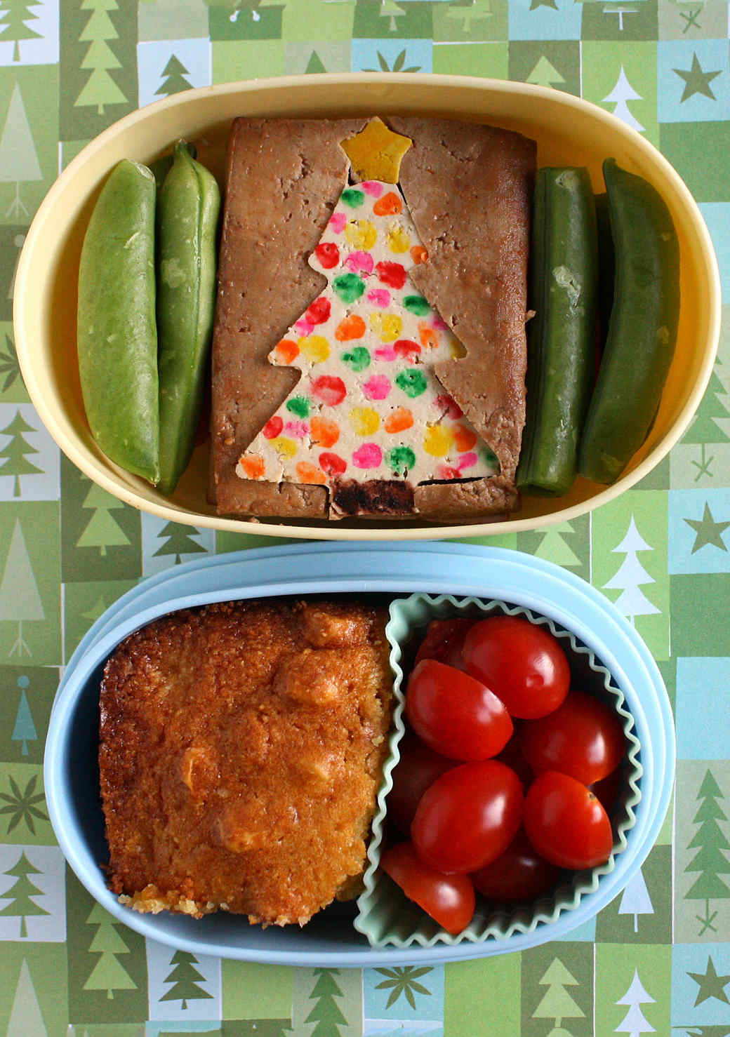 tofu-christmas-tree-bento-box.jpg (skyword:357485)