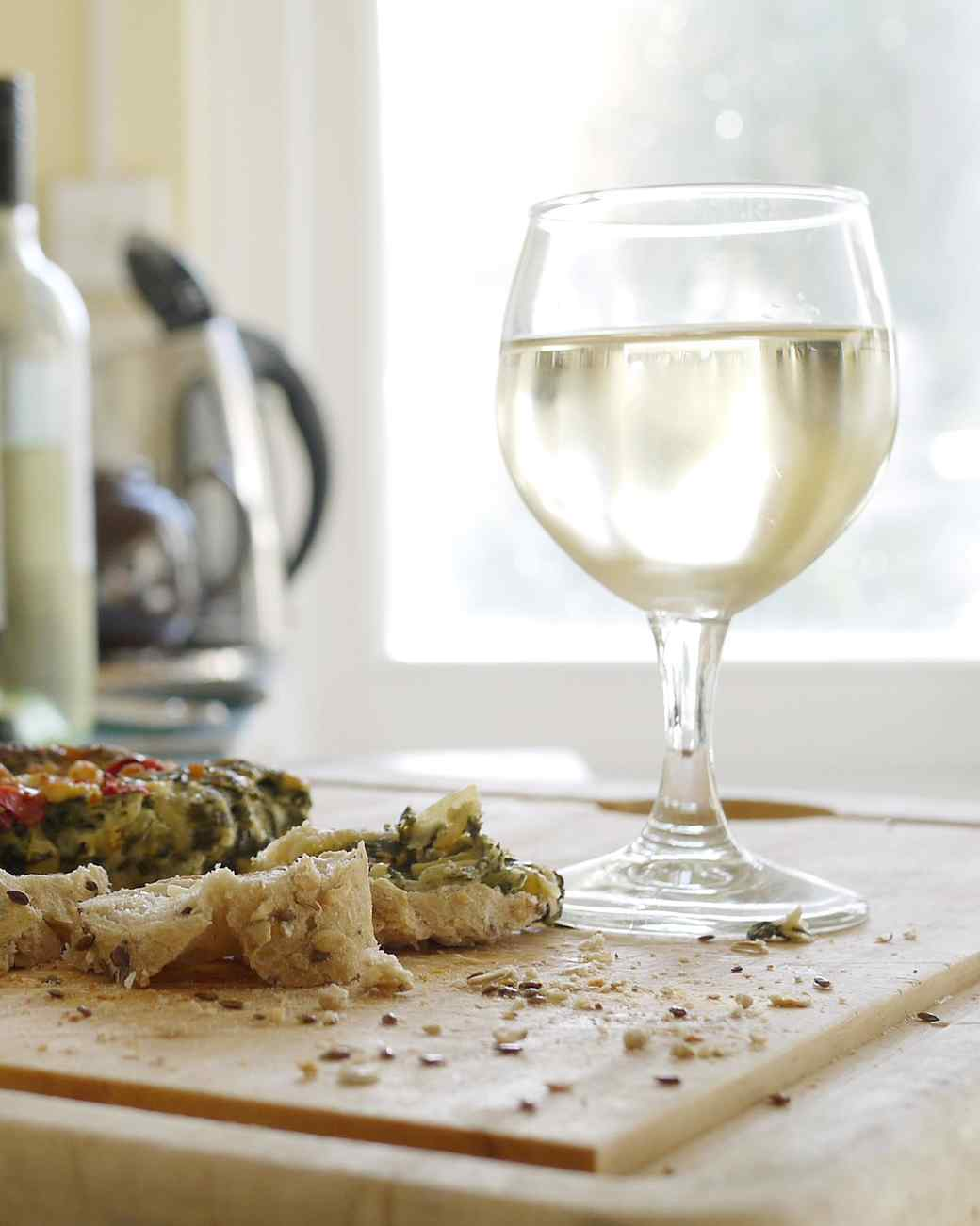 white-wine-glass-kitchen-0615