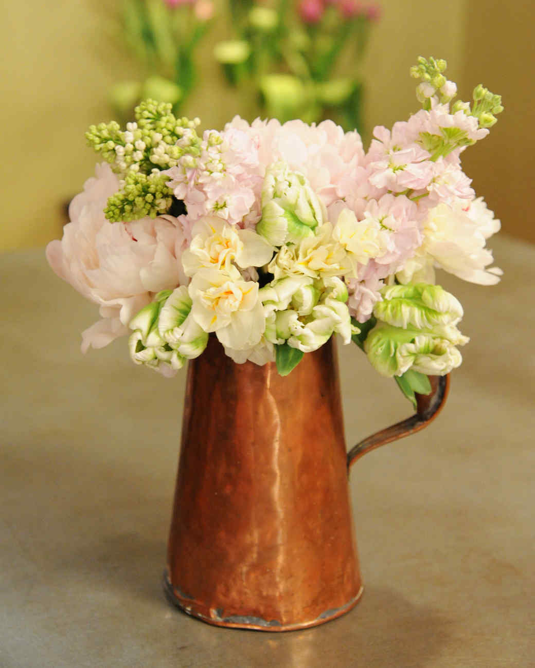 6142_042511_flower_arrangement.jpg